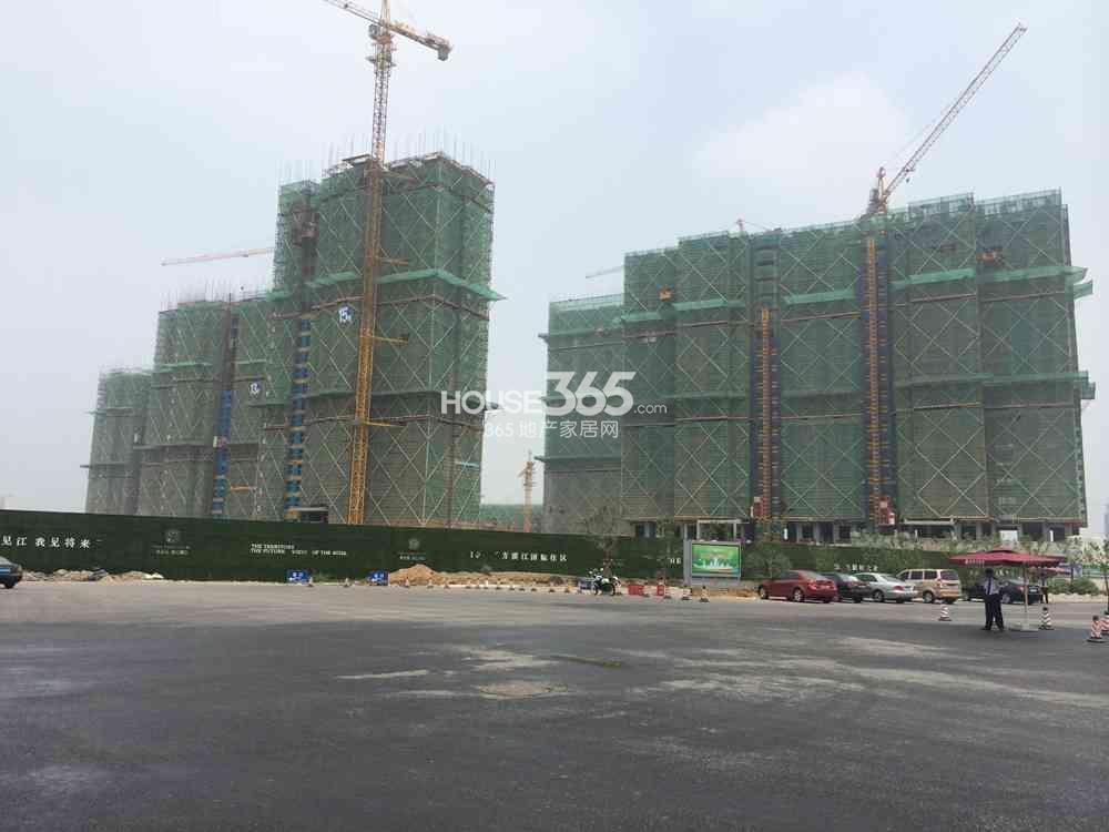 雅居乐滨江国际君悦组团在建实景图(7.25)