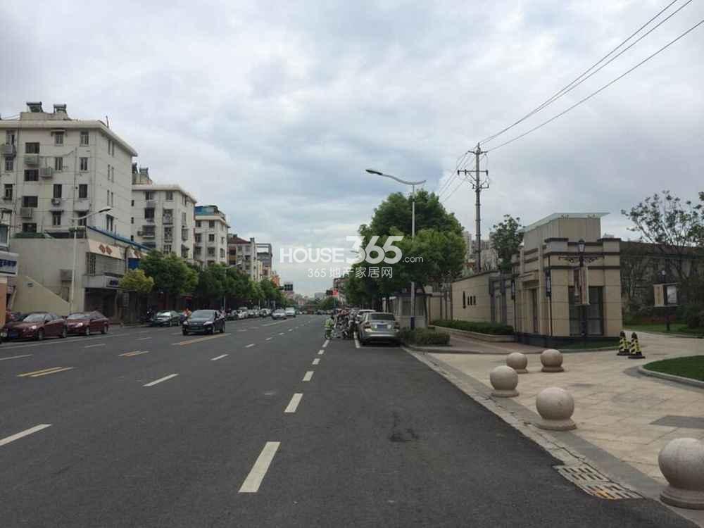 恒盛金陵湾周边道路实景图(7.25)