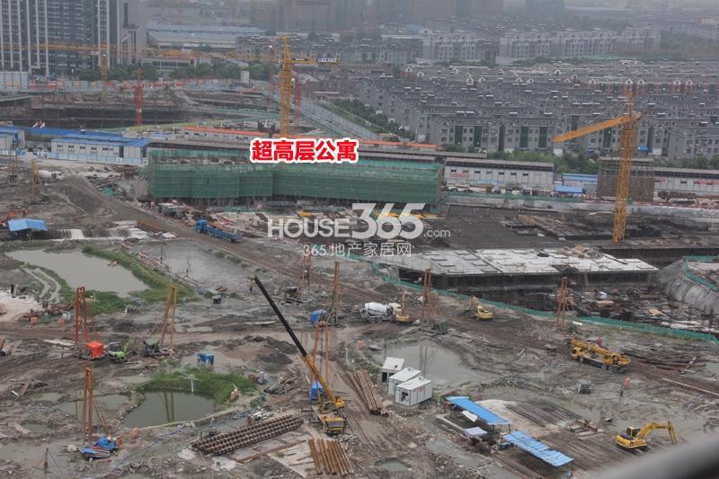 理想银泰城项目整体施工现场(2014.8)