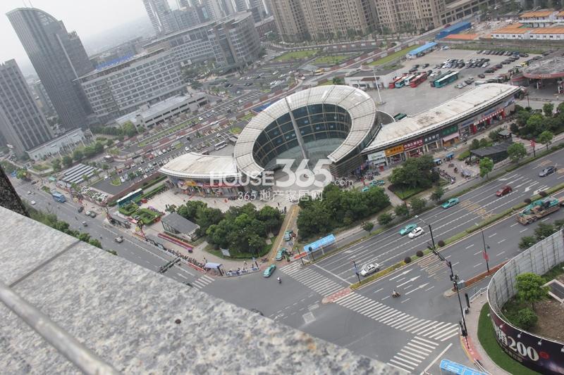 理想银泰城项目周边配套——临平汽车南站