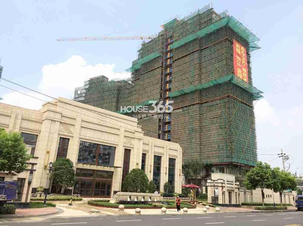 恒盛金陵湾部分楼栋已封顶(9.24)