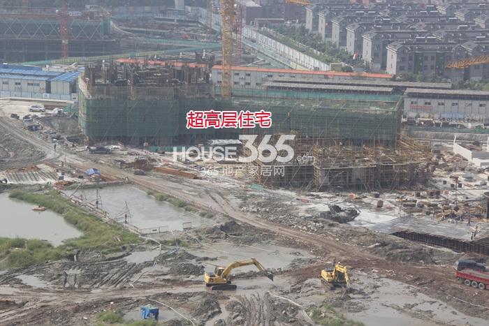 理想银泰城项目超高层住宅施工进程(2014.9)