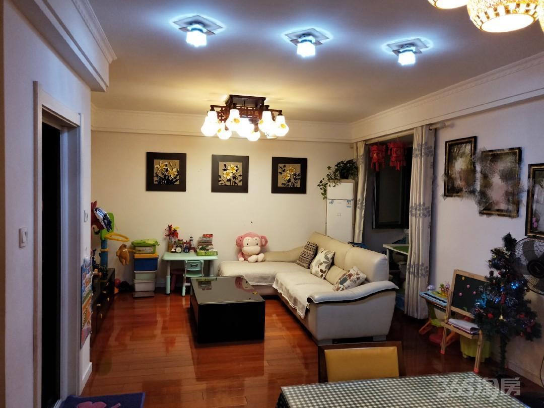 名城世家2室2厅1卫88平米2012年产权房精装