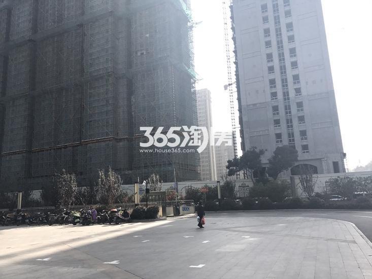 中电颐和府邸项目实景图(11.15)