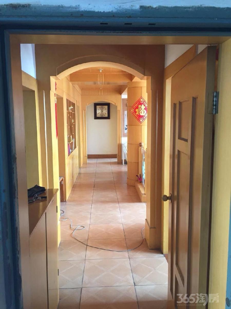 莲花四区4室2厅2卫150.98平米2000年产权房精装