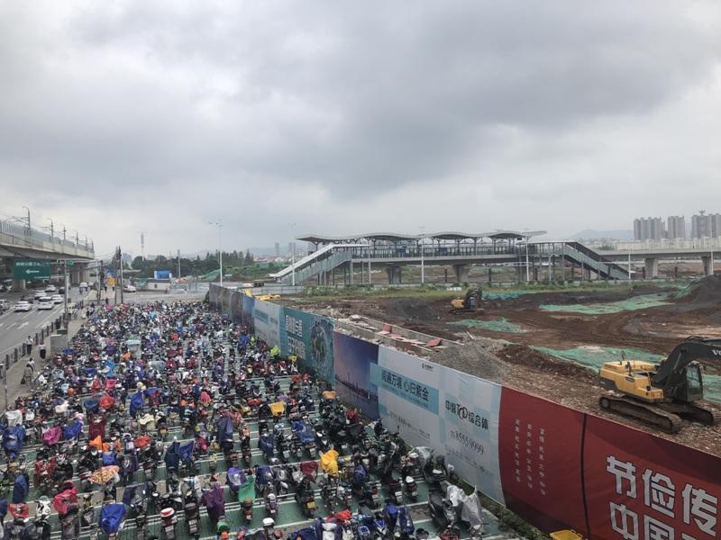 中垠紫金观邸有轨电车实景图(9.24)