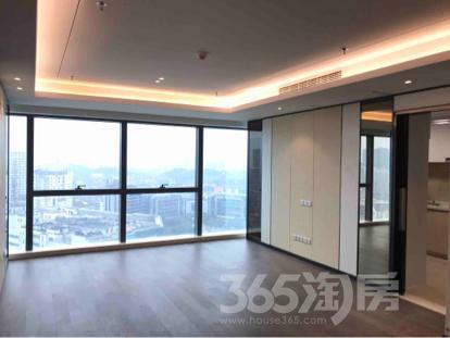 苏宁广场3室2厅2卫153平米精装产权房2017年建