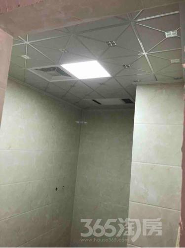 首创立方3室1厅1卫90平米精装产权房2017年建