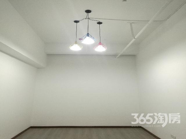 京城豪苑40.00�O整租简装