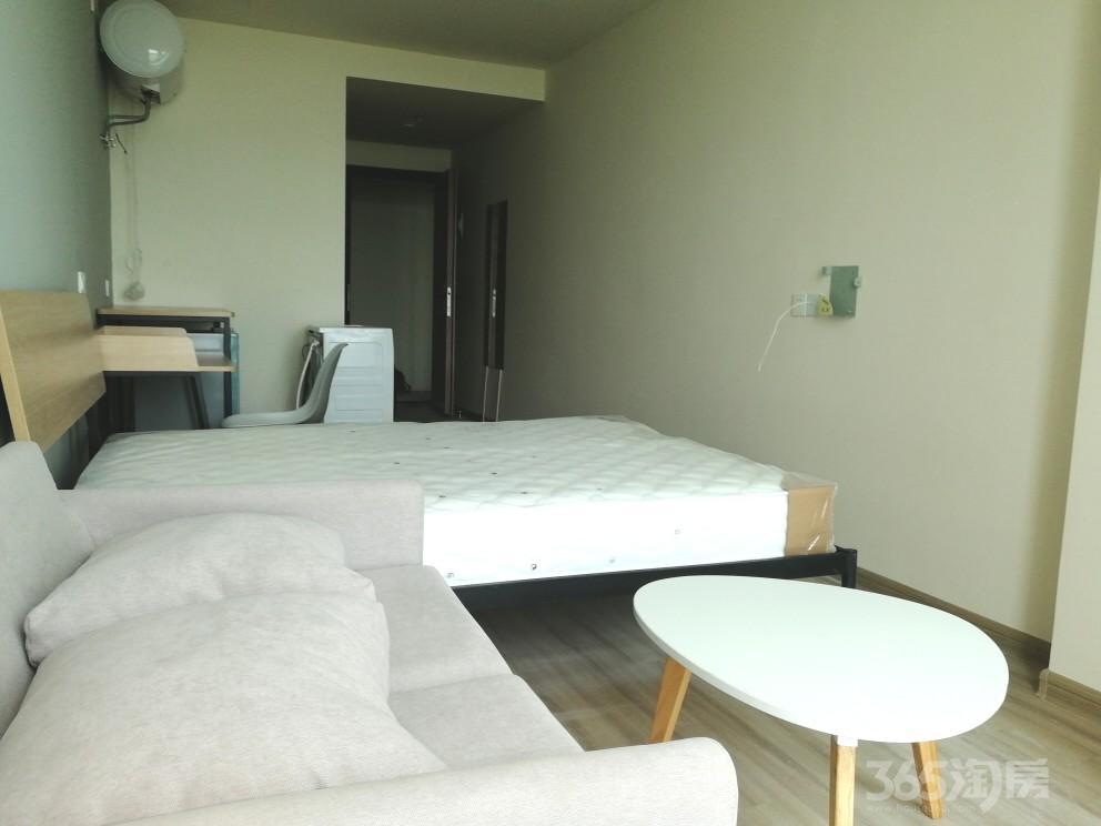 绿地理想城1室1厅1卫33平米整租精装