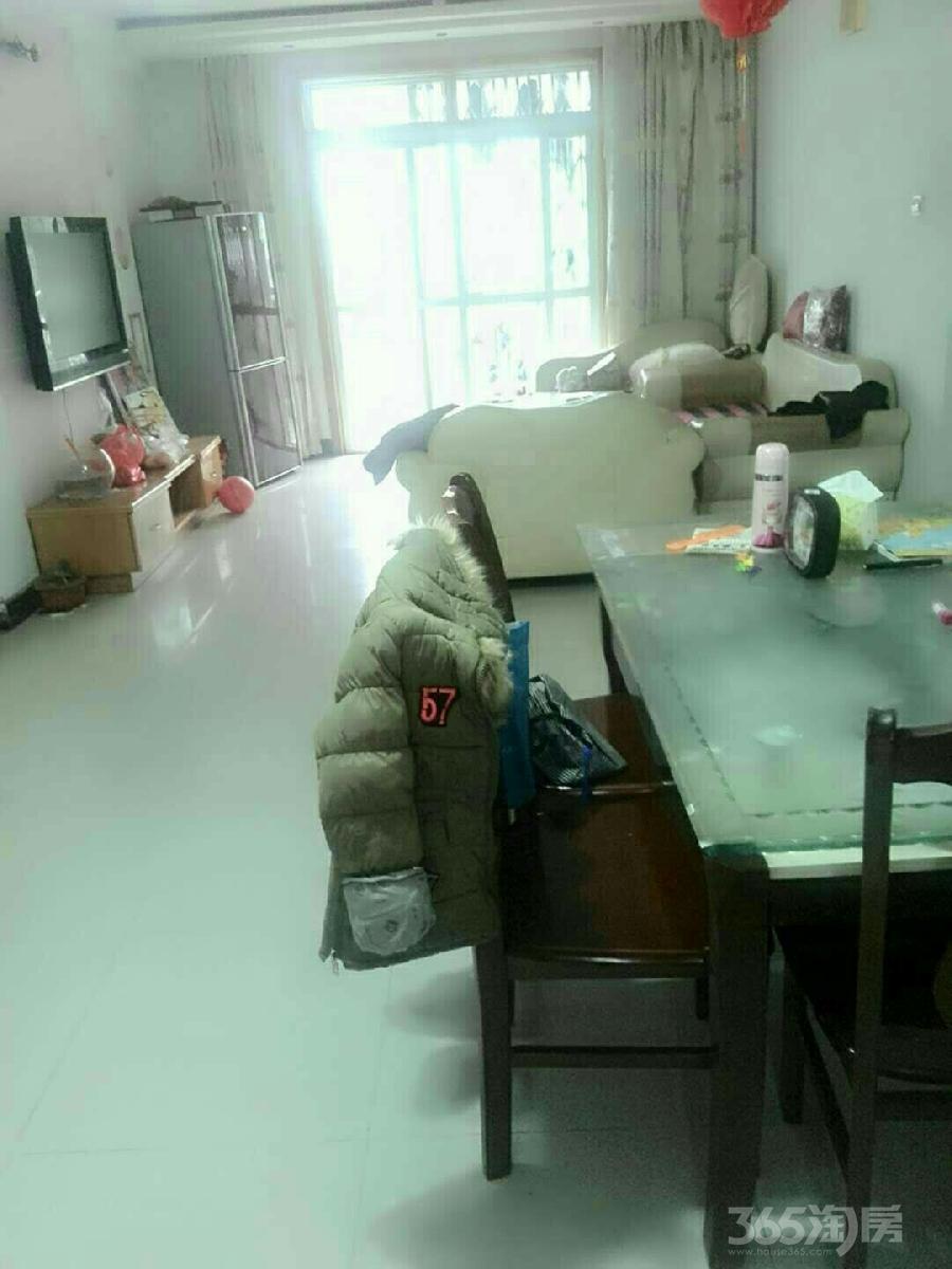 鸠兹家苑3室2厅1卫107平米整租精装