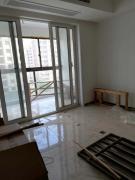 翠屏城小高层东边户满两年了三室两卫中等装修好户型