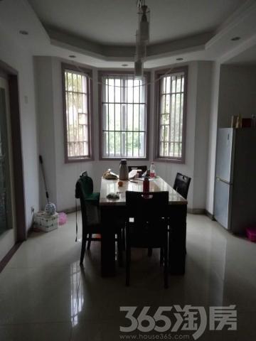 沁雅花园 多层2楼 141平4室 中装128万