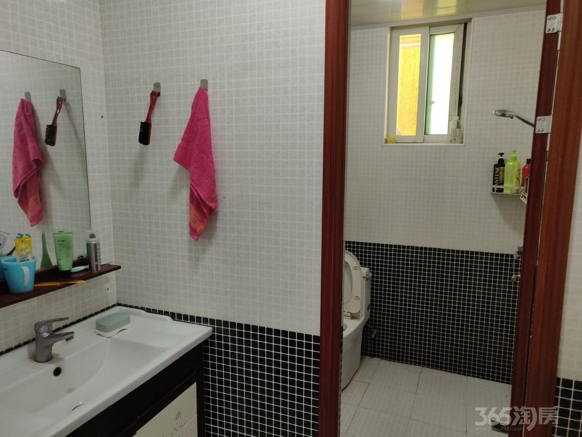 星海颐园3室2厅2卫115平米整租中装