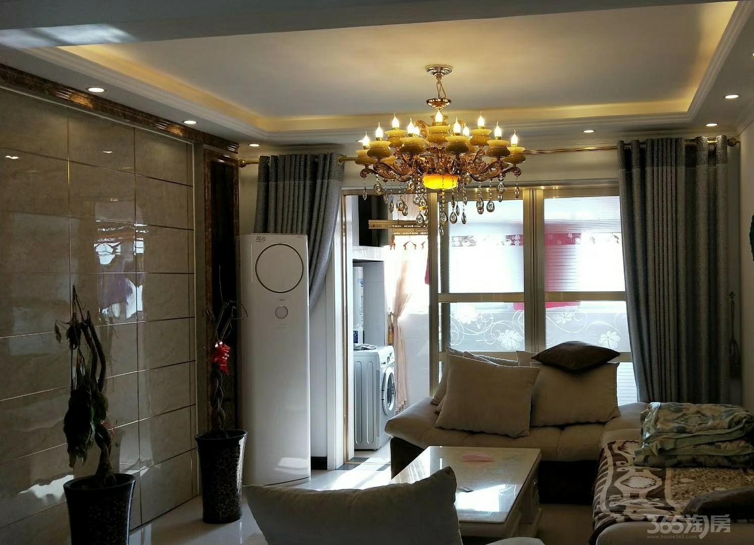 新乡宝龙国际3室2厅2卫132平米2005年产权房精装