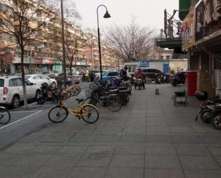 秦淮夫子庙中华门商业街商铺一楼挑高已隔成二楼合计650平