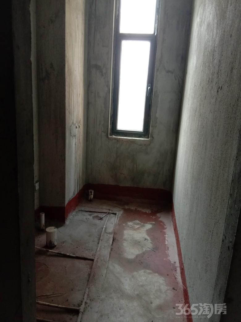 恒大江北帝景3室2厅1卫139平米整租毛坯