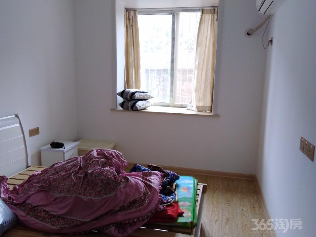幸福小区129号2室1厅1卫72.38平米房精装