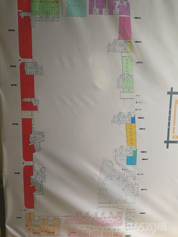 高薪双地铁站旁,五证齐全双大门出口小学正对面现铺出售