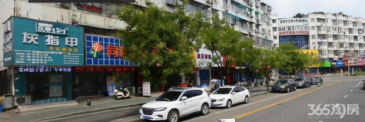 二街迎街铺位+精装120平+租金超低+三间铺位+全天繁华市口