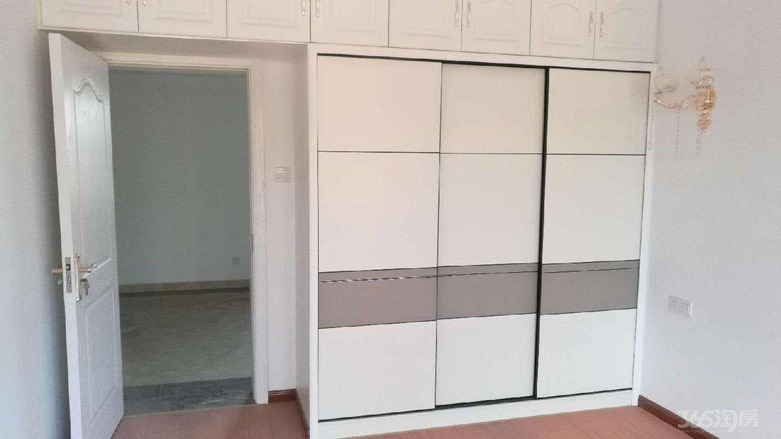 盐城中江嘉城3室2厅1卫98平米2014年产权房精装