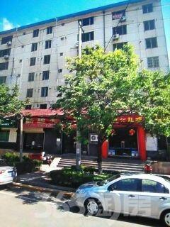 庆安小区3室2厅1卫126.17平米2003年产权房毛坯