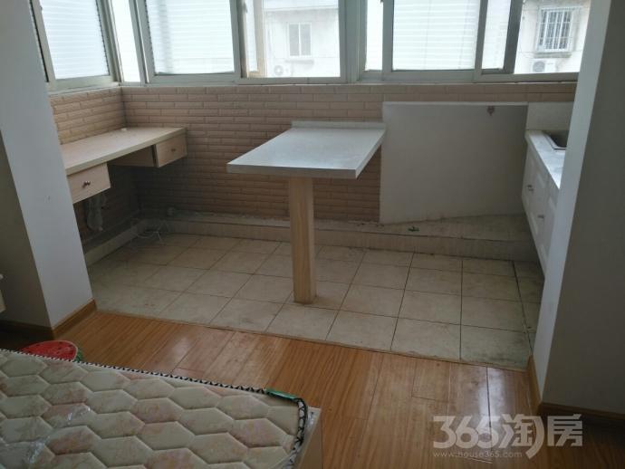 兴达新寓3室2厅2卫120平米2001年产权房简装