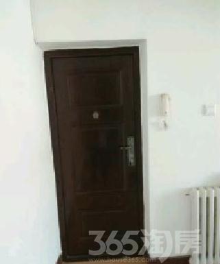 花港里企业产6楼两室偏单双阳台,低价出售