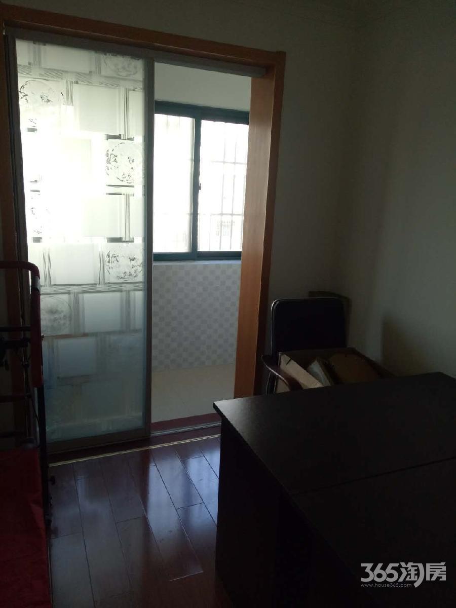 淳东花园4室2厅1卫121平方产权房精装