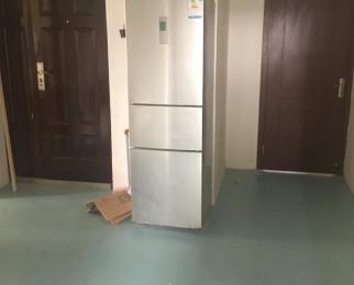 江宁万达广场4室1厅3卫20平米合租精装