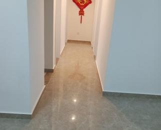 华地森林湖4室2厅1卫98平米整租精装