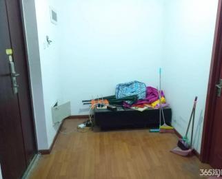 润龙锦园2室1厅1卫68平方产权房简装全款价优