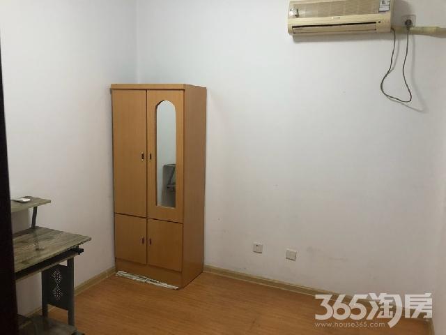 世茂滨江花园17楼2室江景房.全套设施家电拎包入住