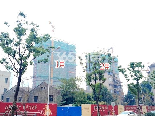 绿地西水东中央生活区W公馆1、2#楼实景图(2017.12 摄)