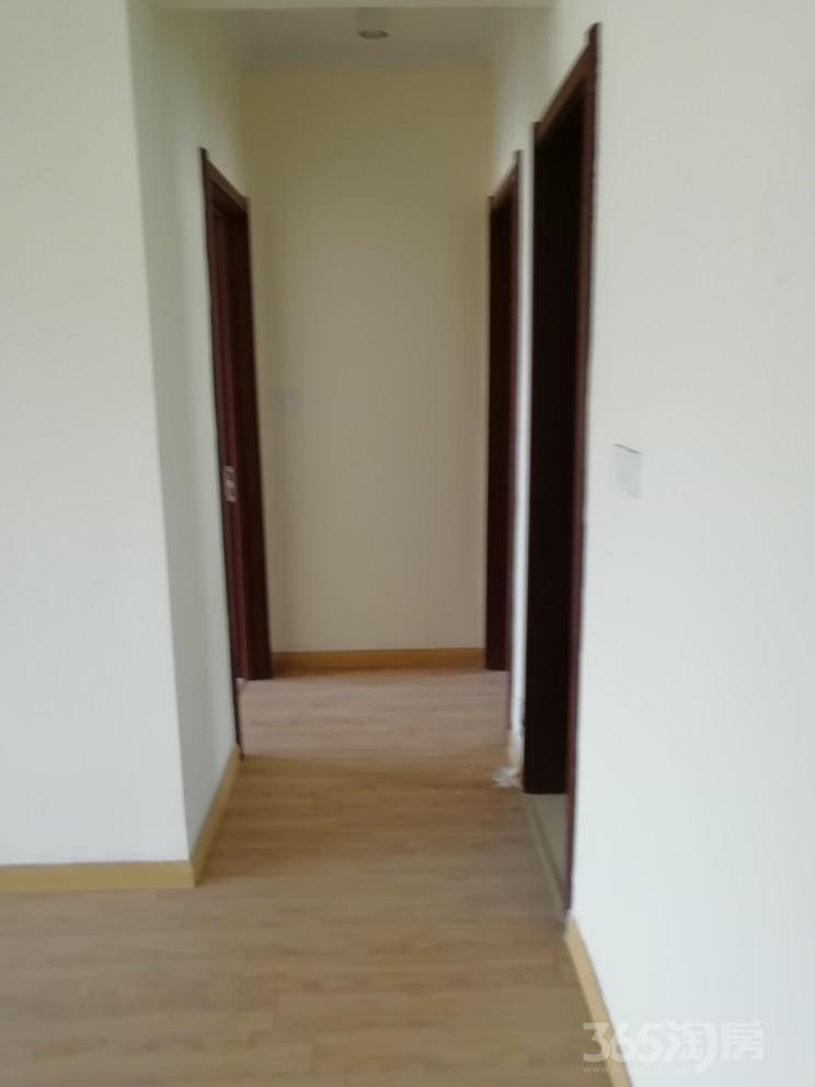 碧桂园欧洲城3室2厅1卫110平米2014年产权房精装