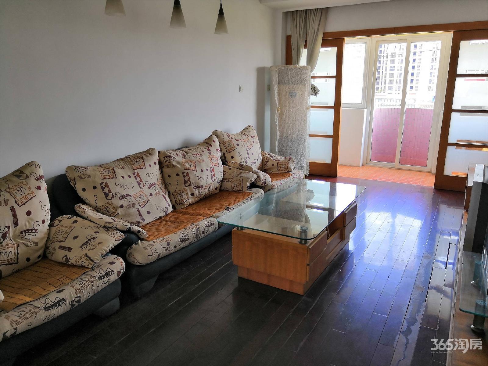 莲塘新村3室2厅1卫155平方产权房精装