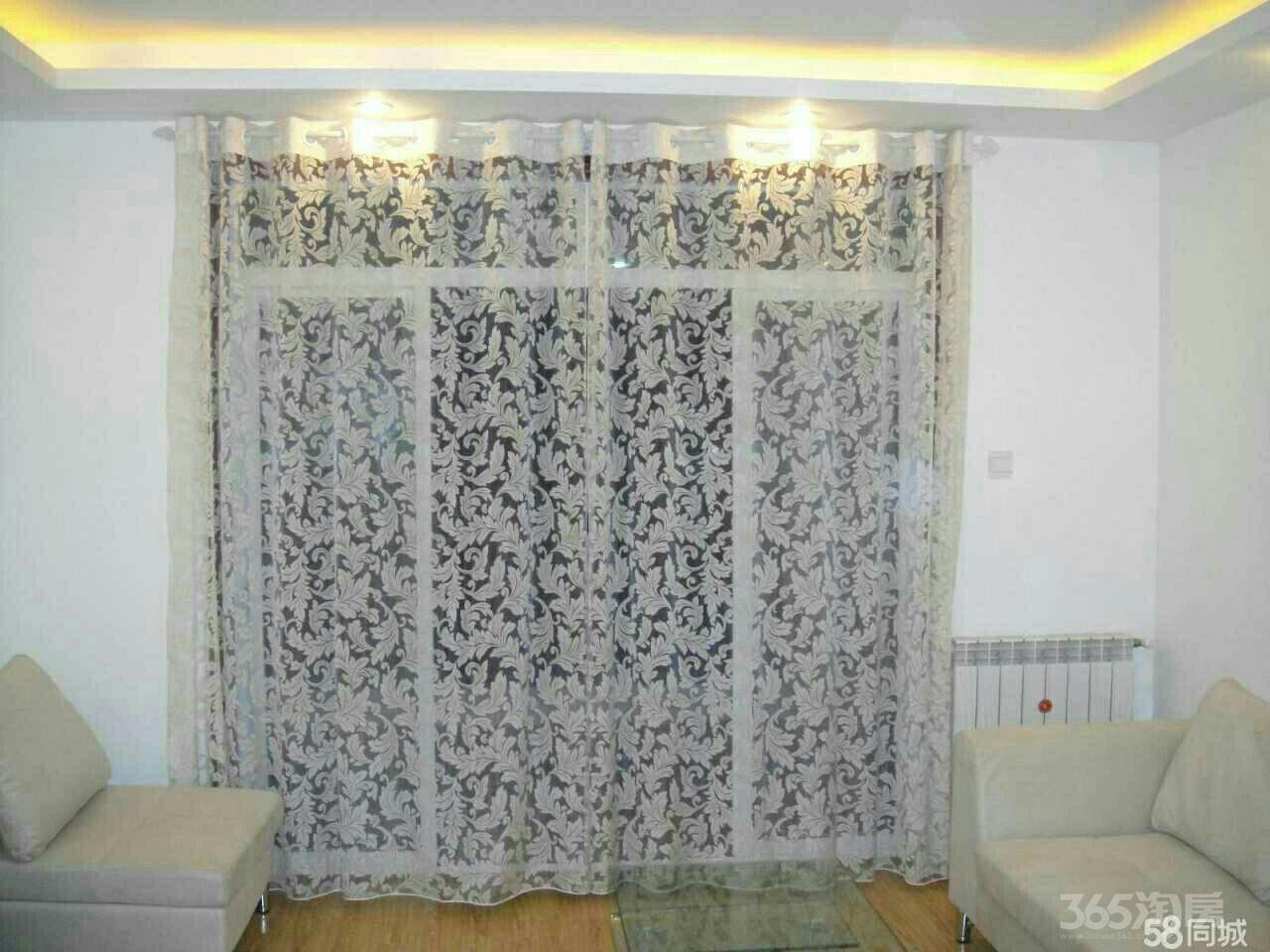 国际华城一村5室2厅2卫180平米2008年产权房精装