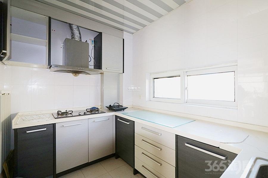 太阳城橙翠园3室2厅2卫123平米2006年产权房精装