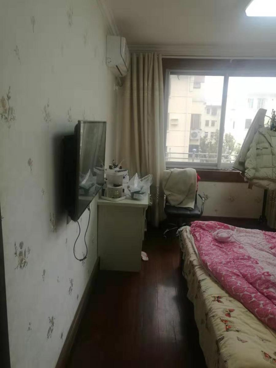 人民医院地铁口沁园新村靠六中1楼急租全装修设施齐看房有钥匙