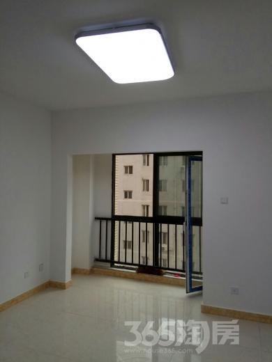 恒天广场2室2厅2卫81平米整租中装