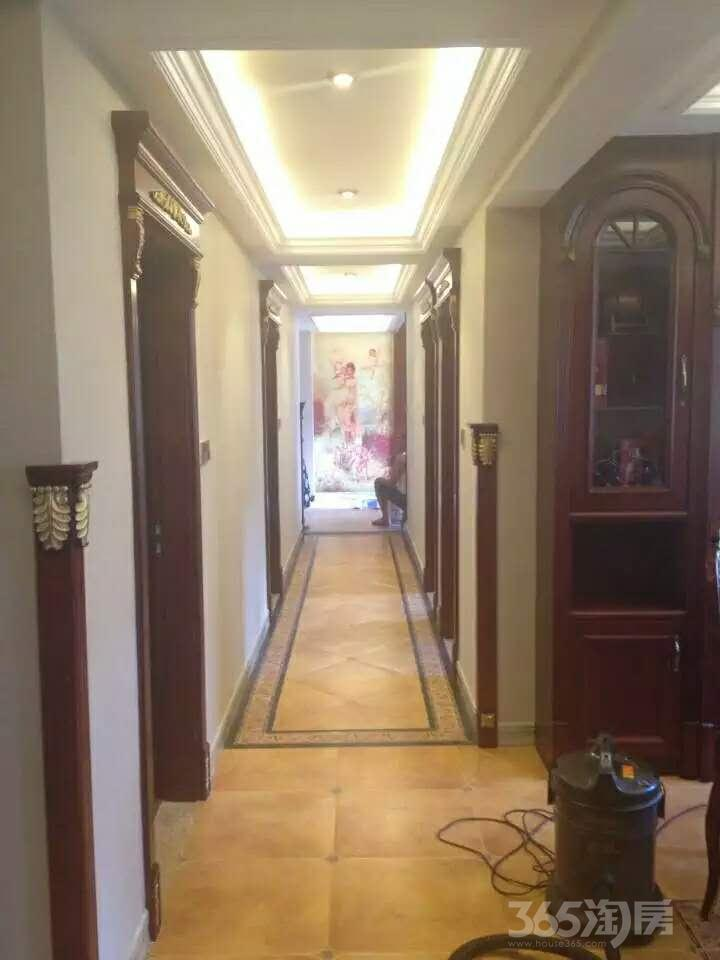 樱花府邸4室2厅2卫170
