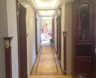 樱花府邸4室2厅2卫170平米整租豪华装