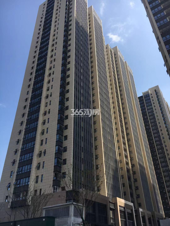 明发财富中心5号楼实景图(10.18)