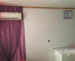 江阴市祝塘镇天富小区3室2厅2卫140�O整租简装