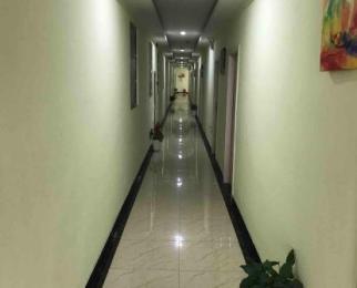 冠城公寓1室0厅1卫20平米整租简装