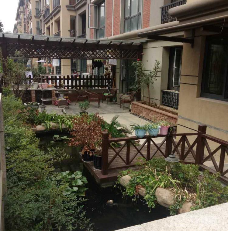 雍景园花园洋房 一楼带院子 精装修 满二年 无税 看房有钥匙
