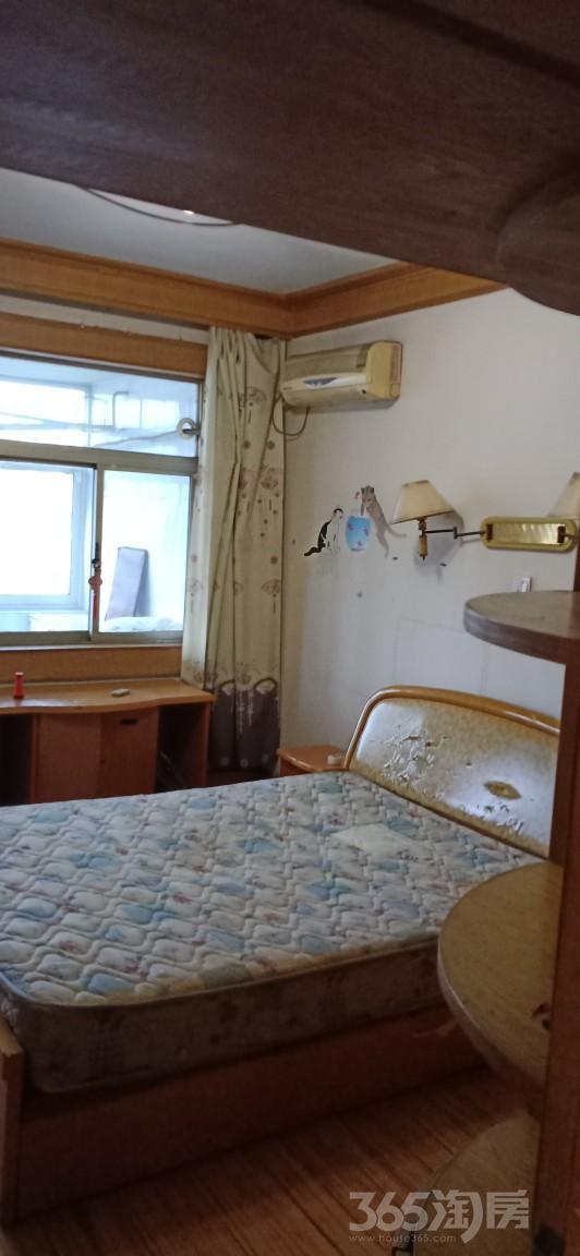 红星新村2室2厅1卫85.00�O整租中装