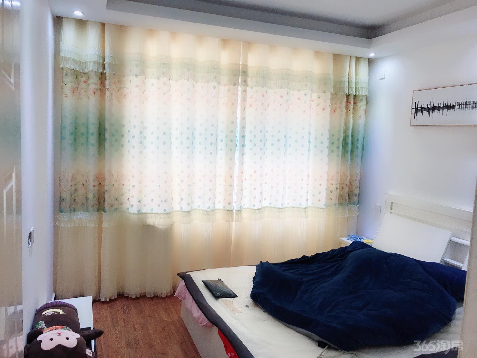 仙林悦城3室1厅1卫89平米精装产权房2013年建满五年
