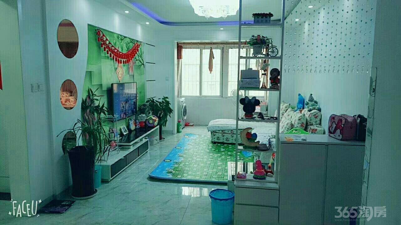 创业中苑3室2厅1卫106平米2012年产权房豪华装