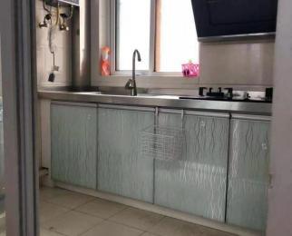 地铁口 三江旁 居家精装修设施齐全 拎包入住 随时看房